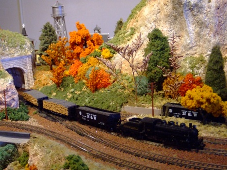 HO Scale Logging Shelf Layouts http://www.building-your-model-railroad.com/model-train-displays.html