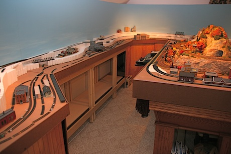 model train table building